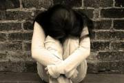 xâm hại tình dục trẻ em, ám ảnh, mặc cảm tội lỗi, tuổi dậy thì, cưỡng bức, nhục nhã, kinh tởm, cửa sổ tình yêu