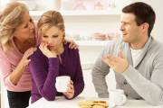 mâu thuẫn mẹ chồng nàng dâu, suy nghĩ tiêu cực, bức xúc, phân xử, căng thẳng, lắng nghe, chia sẻ