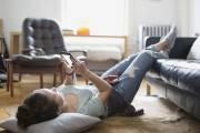 nghi ngờ, lo lắng, facebook, nhắn tin, chân, làm phiền, cửa sổ tình yêu