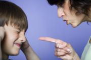 cua so tinh yeu, mâu thuẫn, gia đình, bố mẹ, tiêu tiền, phung phí, mua điện thoại, giận dỗi.