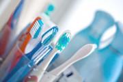 dùng chung bàn chải, bàn chải đánh răng, dùng thuốc arv, lây nhiễm hiv, phơi nhiễm, chảy máu, cuasotinhyeu
