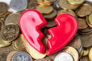 người yêu nợ nần, bạn gái cần tiền, giúp bạn gái lúc khó khăn, tình yêu toan tính
