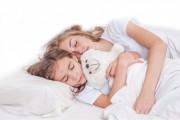 tuổi dậy thì, dậy thì nữ, kinh nguyệt, thủ dâm, ảnh hưởng, mẹ nên làm gì
