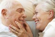 nhu cầu qhtd, chuyện ấy, độ tuổi 60 - 80, nhu cầu cao, mất kiểm soát testosterone, ảnh hưởng xã hội và tâm lý, cuasotinhyeu