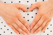 Đau bụng dưới khi thai được 6 tuần có ảnh hưởng tới thai không ?