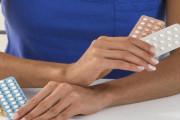 Sau sinh chưa có kinh lại có thể uống thuốc ngừa thai được không ?