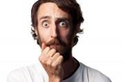 Mỗi khi gần bạn gái lại bị đau tinh hoàn thì có phải là bất thường không ?