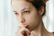 Lo lắng vì không rõ thai trong bụng có phải là của người yêu mình hay không ?