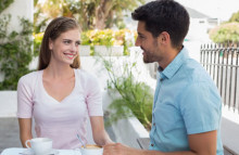 6 điều cân nhắc khi chuyển từ tình bạn sang tình yêu