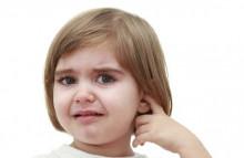 Khi nào cần lấy nút biểu bì ống tai cho trẻ