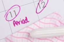 Có máu như hành kinh sớm hơn 2 ngày có phải do có thai?
