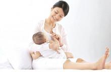 Cảnh giác với viêm tắc tia sữa sau sinh khi ngực có các u cục nhỏ