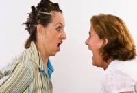 mâu thuẫn sui gia, thông gia bất hòa, mẹ vợ mẹ chồng, chăm cháu, không nhìn mặt nhau