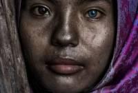 cô gái, màu mắt kỳ lạ, Ninh Thuận, làng gốm Bàu Trúc, báo nước ngoài