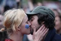 Đại học Ferrara ,virus HHV-6 ,hôn nhau có thể gây vô sinh ,Virus Herpes ,chủng loại 6 Virus Herpes