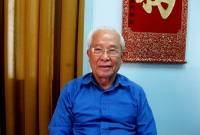 huỳnh thế cuộc, trường đại học ngoại ngữ - tin học tp.hcm, thầy giáo nhường lương cho sinh viên