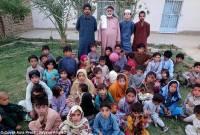 """Ông lão Pakistan, có 54 con, ngày nào cũng """"yêu"""", không trợ cấp"""