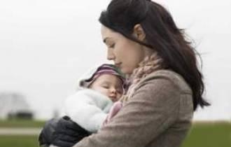 mẹ đơn thân, ngoại tình, yêu người có vợ, sinh con trai, bố mẹ nhiêc móc không bỏ vợ,