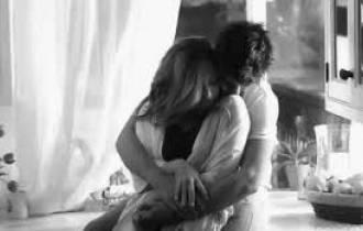 tư vấn tâm lý, tư vấn tình yêu, cùng lớp, bạn trai, không yêu, nặng ân tình, chia tay, xa cách, níu kéo, ân tình, lựa chọn, chấp nhận