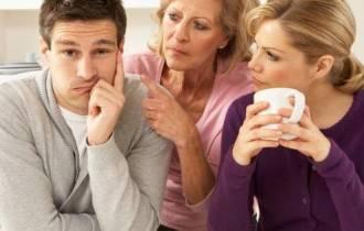 hôn nhân gia đình, ba phải, không có chính kiến, phụ thuộc, yếu hèn, thất vọng, ly hôn