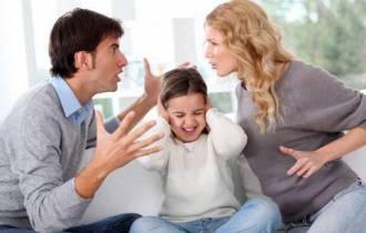 mâu thuẫn gia đình,tâm sự hôn nhân, không có tiếng cười, cái tôi, tự ái cá nhân, sự khác biệt, hòa hợp, ly hôn