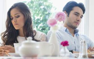 tâm sự hôn nhân, ly hôn, hôn nhân không tình yêu, tổn thương, mệt mỏi, bế tắc, trách nhiệm