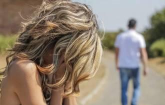 tình yêu, kiêu ngạo, tự tin thái quá, hoàn cảnh gia đình, chia tay, hối lỗi, tha thứ