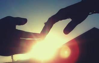 tình yêu, gia đình ngăn cấm, thử thách, chấp nhận, khó khăn
