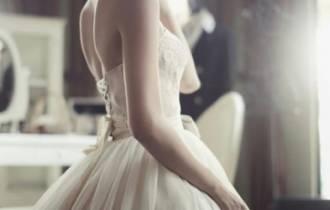 hoãn kết hôn, bạn trai phản bội, tha thứ, bao dung, yêu thương quay về, cửa sổ tình yêu