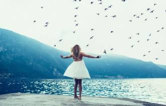 con đường đúng đắn, chuyện tình sinh viên, ảnh hưởng đến mọi thứ, bỏ lỡ cơ hội, im lặng, cái tôi cá nhân, xa nhau, từ bỏ