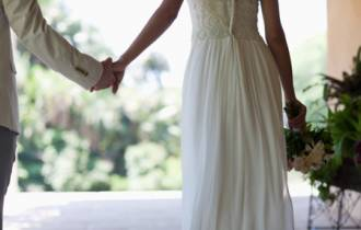 hôn nhân gia đình, hôn nhân rạn nứt, lấy chồng việt kiều, mẹ chồng nàng dâu, bỏ về nhà ngoại, hối hận, lầm lỗi, phụ bạc, cửa sổ tình yêu