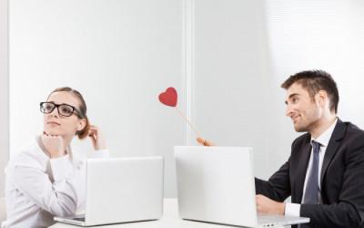 yêu đồng nghiệp, yêu gái cơ quan, gái cơ quan, yêu người cùng công ty