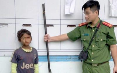 Khi đứa trẻ 10 tuổi cầm súng bắn cả nhà chị ruột