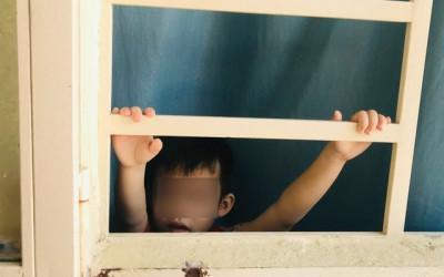 Những đứa trẻ bị nhốt trong nhà và bi kịch thời Covid