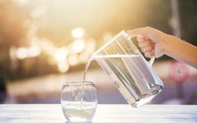 Lý do nên uống nước khi đói