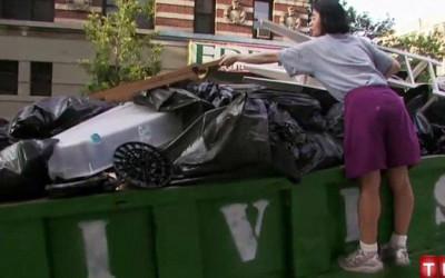 Người phụ nữ có thu nhập cao ở New York suốt 20 năm không mua đồ lót, phơi khô giấy vệ sinh để tái sử dụng, nhắn nhủ: Hãy sống tối giản nhất!