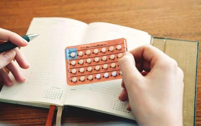 Bị ra máu nâu khi dùng thuốc tránh thai để chặn ngày kinh!