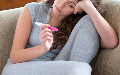 """Mang """"bầu"""" khi đang đặt vòng tránh thai, có nên tháo vòng???"""
