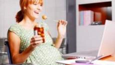 tác hại của việc ăn mặn với thai phụ và thai nhi, thay đổi khẩu vị ở bà bầu, nghén mặn, nguyên nhân bà bầu nghén mặn, do thay đổi hoomon khiến bà bầu nghén mặn, do ốm nghén bị mất nước nên bà bầu nghén mặn, tác hại khi bà bầu nghén mặn, phù nề, tăng huyết áp, nhiễm độc thai nghén do ăn mặn, ch cải thiện trình trạng nghén mặn