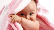 trẻ 8 tháng, sự phát triển trẻ 8 tháng, ngôn ngữ trẻ 8 tháng, vận