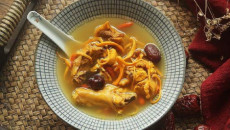 Không chỉ là món súp gà thông thường, cách nấu này sẽ là một bài thuốc tăng cường sức khỏe