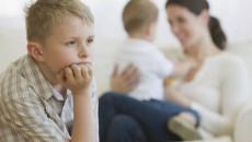 dạy trẻ, phương pháp dạy con, dạy con không ghen tỵ, con cái, cha mẹ