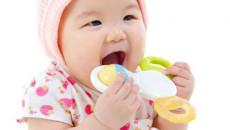 chăm sóc bé, làm mẹ, trẻ chảy nước dãi, dị ứng nước dãi ở trẻ