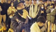 """Đan Trường bị bắt gặp đi """"xin hát"""" ở chợ đêm Đà Lạt: Cái kết bất ngờ"""