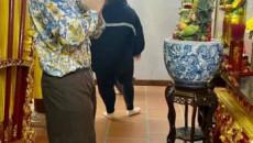 Đến nhà thờ tổ của Hoài Linh trả lễ, Trấn Thành khiến cư dân mạng cười bò với nghi vấn mượn quần đàn anh