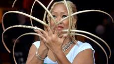 Người phụ nữ Mỹ cắt bộ móng tay dài nhất thế giới