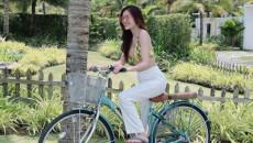 """Điểm mặt 3 item """"mặc là đẹp"""" của hội sao Việt khi đi biển, lên đồ đơn giản cũng ra ảnh sống ảo ngàn like!"""