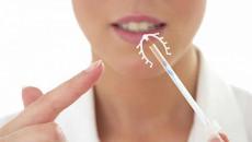 Dấu hiệu vòng tránh thai bị lệch, chị em cần lưu ý để xử lý kịp thời