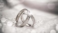 trì hoãn đám cưới, đợi có sự nghiệp, bạn trai không quyết tâm, phải ra nước ngoài, kết hôn giả