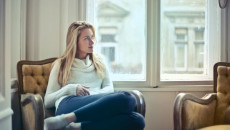 yêu người đã ly hôn, vẫn chung nhà với vợ cũ, có con riêng, không toàn tâm toàn ý